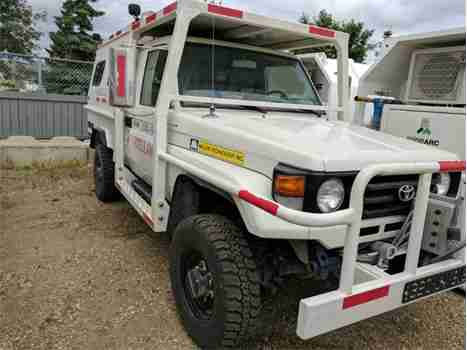 2006 TOYOTA LAND CRUISER AMBULANCE